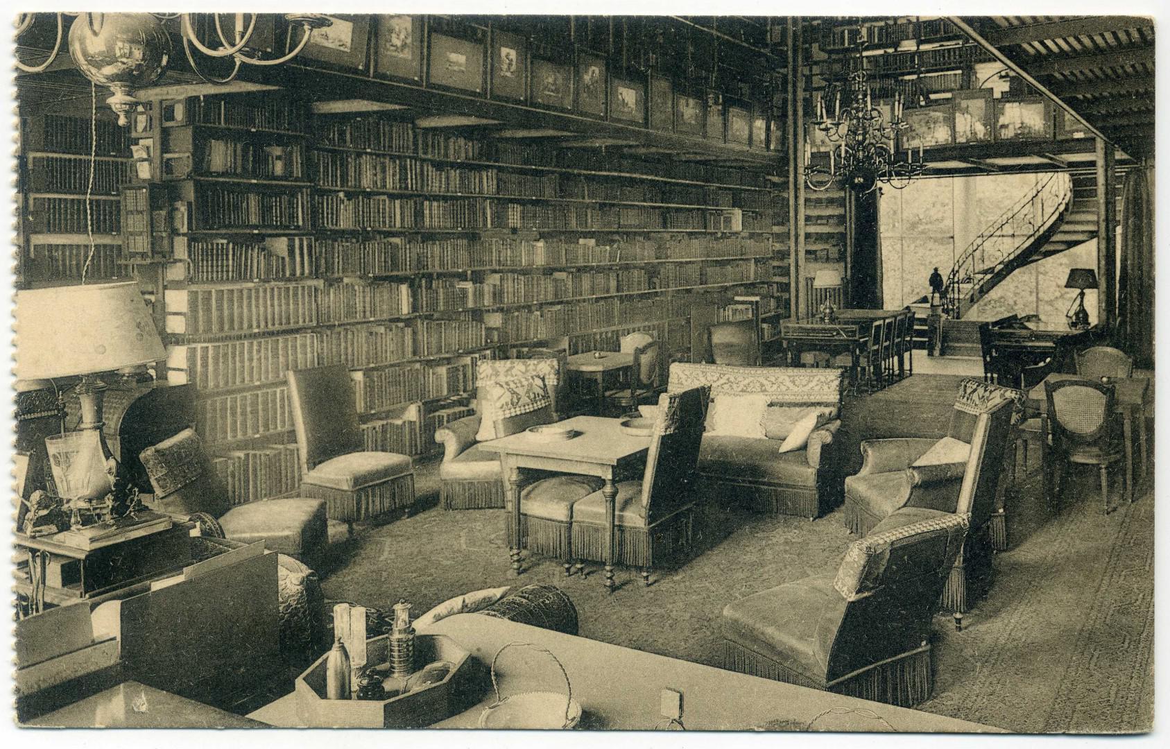 Morlanwelz: Schloß Mariemont - Bibliothek